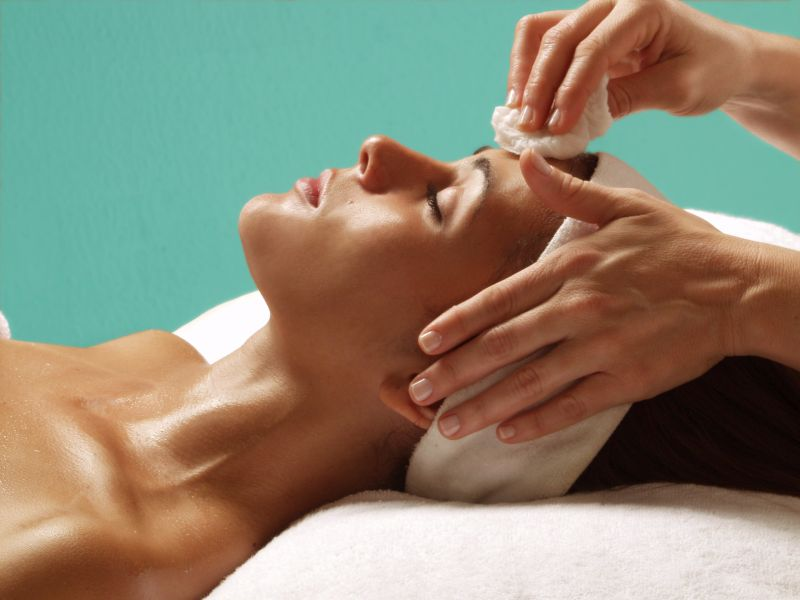 What Are The Benefits Of Having A Facial Done?
